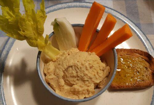 hummus di ceci con verdure